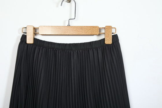 Black Pleated Elastic Waist Long Skirts , 100% Polyester Long Maxi Skirts For Women