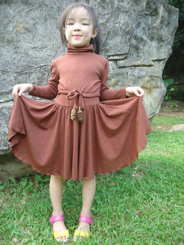 1958bab18232 Young Girls Turtleneck Dress