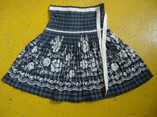 100% Cotton Little Girl Floral Dress , Ribbons Waist Girls Pleated Skirt For Age 7